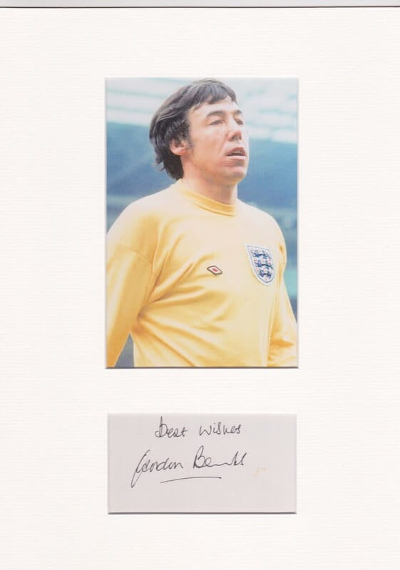 Gordon Banks Mounted Autograph Page