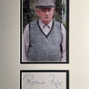 Robert Fyfe (born Alloa, Clackmannanshire 19 June 1925) is a Scottish actor, best known for his role as Howard in the long-running British sitcom Last of the Summer Wine from 1985 to 2010.